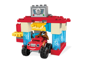 Mega Bloks Blaze și  Super cars: Axle City