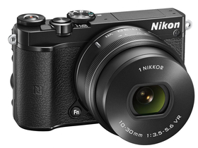 Nikon 1 J5 set za digitalni fotoaparat  (10-30mm PD-Zoom objektiv), črni