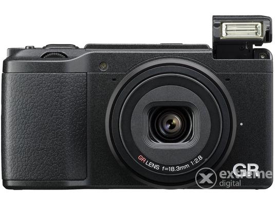 7d3d5c2d8312 Nikon Coolpix W100 fényképezőgép, fehér + hátizsák   Extreme Digital